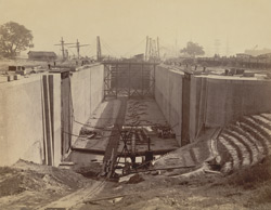 60 feet Lock Entrance from River to Half Tide Basin, showing gates in position, Calcutta Docks